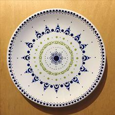 Mandala ideas - List of the most creative DIY and Crafts Art Café, Dot Art Painting, Mandala Painting, China Painting, Ceramic Painting, Pottery Painting Designs, Pottery Designs, Pottery Art, Ceramic Cafe