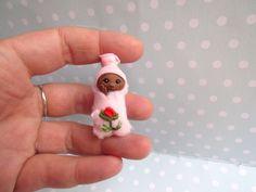 Miniatur OOAK Baby BUNDLEBABY 3,5cm Puppenstube 1:12 REALPUKI Toy, Geschenk Geburt Taufe Handgemacht Unikat von YuliyasOOAKdolls auf Etsy