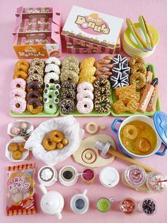 Re-ment Donuts To Go. Love! http://www.modes4u.com/en/kawaii/p3491_Re-Ment-Donuts-to-Go--miniature-surprise-blind-box.html $5.19