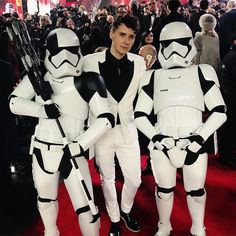 when you and and the lads all coordinate #stormtroopersquadgoals #StarWarsTheLastJedi
