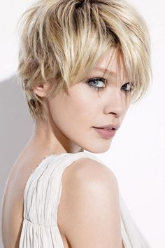 Short Choppy Layers Hairstyles | Chic Tapered and layered Bob Hair Style 2011