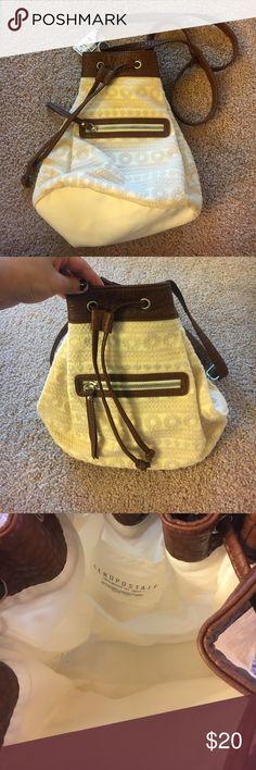 NWT Aeropostale Crossbody bag NWT Super cute cream & brown Crossbody Aeropostale bag. Aeropostale Bags Crossbody Bags