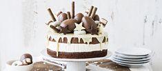 Kinderkakku - sitruunaisella valkosuklaamoussella yllättävä juustokakku. Näyttävä, suklainen kinderkakku sopii erityisesti pääsiäisen viettoon!