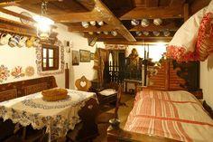 Folk house in Piešťany, Slovakia. Country Style Living Room, Living Room Styles, Living Room Designs, Diy Interior, Interior Design Living Room, Interior And Exterior, Diy Home, Home Decor, Arte Popular