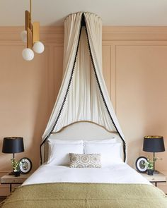 """7 Victorian Bedrooms That'll Make You Feel Like a Character in """"Wuthering Heights"""" Modern Master Bedroom, Cozy Bedroom, Modern Victorian Bedroom, Punk Bedroom, Gothic Bedroom, Victorian House, Bedroom Art, Bedroom Inspo, Victorian Era"""