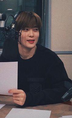 I wanna hug him so bad rn Taeyong, K Pop, Johnny Seo, Jung Yoon, Valentines For Boys, Jung Jaehyun, Jaehyun Nct, Album, Boyfriend Material