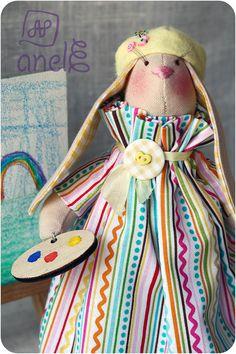 Зайка-художница Год рождения: май 2015