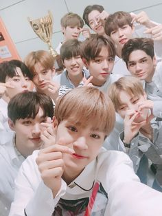 Wanna One as the champion! 3 In One, One Pic, K Pop, Bts Got7, Jimin, Twitter Update, You Are My World, Guan Lin, Rapper