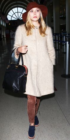 Jet-Set in Style: 57 Celebrity-Inspired Outfits to Wear on a Plane - Elizabeth Olsen from Inspirational Celebrities, Style Snaps, Elizabeth Olsen, Girl With Hat, Emma Stone, Ladies Dress Design, Blake Lively, Nice Dresses, Style Me