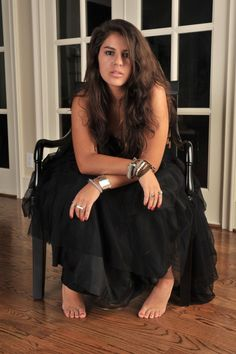 @Kelsie Jankowski MY BEST FRIEND! love everything about this picture!! hair, jewelry, dress, little toesies!