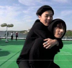 Jungkook carry his hyung.
