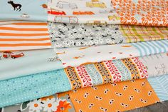 Timeless Treasures 100/% Cotton FQ//Metre Patchwork Quilting Cats in the Library
