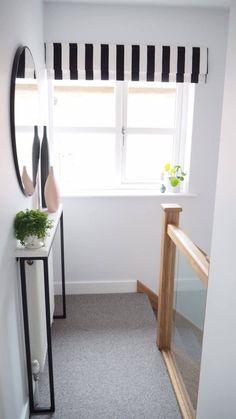 Bathroom Interior Design, Interior Design Living Room, Home Radiators, Marble Console Table, Decoration Entree, Hallway Decorating, Bedroom Colors, New Homes, Room Decor
