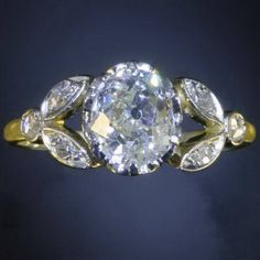 Antique jewelry Vintage engagement ring with impressive 1.50 crt old-adin.be