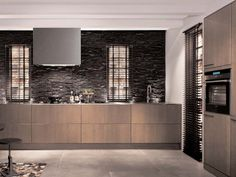 SE 4004 Lacquered Wood Veneer Kitchen