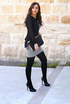 Take a look at the best casual work attire women in the photos below and get ideas for your work outfits! / casual work attire B & W Casual Work Outfits, Winter Outfits For Work, Work Casual, Spring Outfits, Cute Outfits, Office Outfits, Casual Office, Skirt Outfits, Winter Professional Outfits