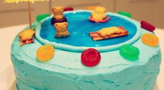 With the wonderful pool season about to be upon us again, I thought it a good time to share this cute pool cake! This is just the cake to celebrate pool time fun or a summer BBQ. And is it not glo… Pool Birthday Cakes, Pool Party Cakes, Pool Party Themes, Pool Party Kids, Themed Birthday Cakes, Themed Cakes, Party Ideas, 7th Birthday, Birthday Ideas