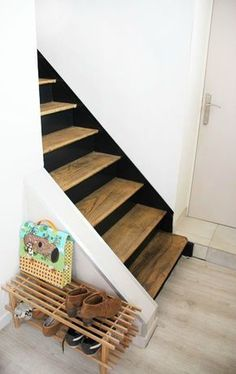 black and wood stairs Basement Stairs, House Stairs, Entryway Stairs, Painted Stairs, Wooden Stairs, Stair Shelves, Black Stairs, Stair Makeover, Stair Landing