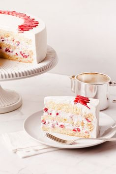 I love white cakes!!!