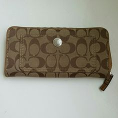 COACH WALLET Great condition  Has one small spot that has pink stain, see photos  8 inches wide 4 inches long Coach Bags Wallets