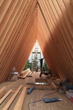 http://cabinporn.com/post/125517140205/a-frame-under-construction-in-whistler-british