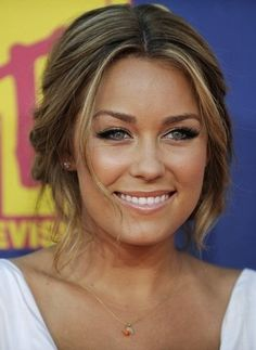 4. Lauren Conrad has the casual hair down pat - we love how pieces are falling out yet she still looks so put together!