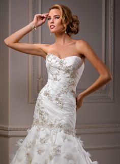 amazing wedding dress 700 dollars