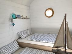 einzigartiger bauwagen zu verkaufen er ist 5x2 meter und komplett neu eingerichtet siehe bilder. Black Bedroom Furniture Sets. Home Design Ideas