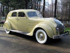 Vintage Motor Cars :: 1934 Chrysler Airflow Model CU town sedan