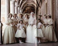 wedding of Princess Grace of Monaco Royal Wedding Gowns, Vogue Wedding, Royal Weddings, Wedding Dresses, Vintage Weddings, Monaco, Princess Grace Kelly, Royal House, Amazing Grace