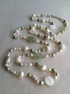 Prehnite and Freshwater Pearl Lariat Long Pearl Necklaces, Pearl Jewelry, Wire Jewelry, Jewelery, Jewelry Necklaces, Beaded Bracelets, Pearl Rings, Geek Jewelry, Fashion Jewelry