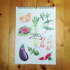 Julia and I made a calendar with tasty food illustrations for 2015. The recipes of the depicted dishes are written on the back of each month. They are all vegetarian and some vegan. All texts in german. The calendar is DinA4 (210 x 297mm) in size. It has a metallic hanger assembly.