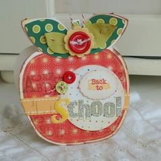 shaped apple back to school card Teachers Day Card, Teacher Cards, Teacher Gifts, Leaving Cards, Cute Scrapbooks, Scrapbook Cards, Scrapbooking, Preschool Gifts, Shaped Cards