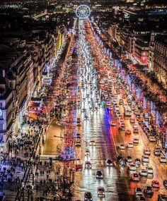 Les champs Elysées en direction de la place de la Concorde  #champselysées #concorde  JUCH_Paris  www.juch.fr