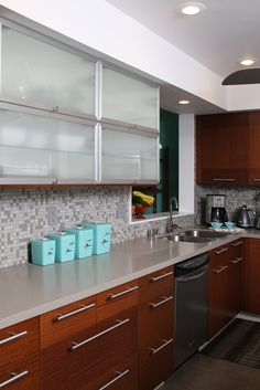 All Time Best Diy Ideas: Mid Century Kitchen Remodel Counter Tops ikea kitchen remodel galley.Split Level Kitchen Remodel With Pantry mid century kitchen remodel. Layout Design, Küchen Design, Design Ideas, Design Trends, Interior Design, New Kitchen, Vintage Kitchen, Kitchen Decor, Kitchen Ideas