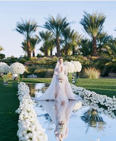 Brides think of finding the most appropriate wedding ceremony, however for this they require the most perfect wedding dress, with the bridesmaid's outfits enhancing the brides dress. These are a variety of tips on wedding dresses. Bridal Tips. Wedding Colors, Wedding Styles, Wedding Photos, Trendy Wedding, Elegant Wedding, Extravagant Wedding Cakes, Timeless Wedding, Formal Wedding, Boho Wedding