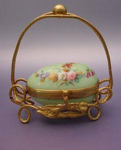 Napoleon III Green Opaline Thimble Holder Casket Hinged Box