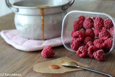 kinuski_vadelmatayte Cake Fillings, No Bake Cake, Raspberry, Baking, Fruit, Breakfast, Sweet, Recipes, Princess Cakes