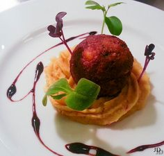 Falafel with humus