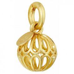 """Das verspielte Charm """"Ornament"""" von Sence Copenhagen ist ein origineller Anhänger, den du perfekt mit deinen Ketten und Armbändern kombinieren kannst."""