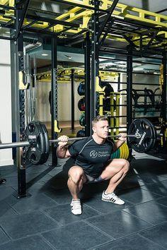 Alex Davies squats leg workout for FS Magazine ()