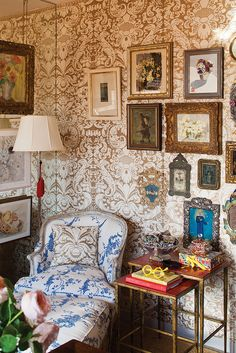 Patterned walls and upholstery - Fortuny Interiors
