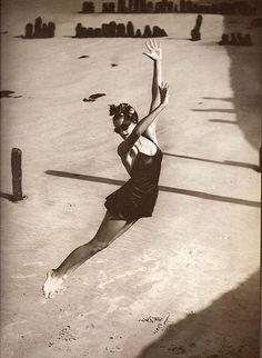 Norman Parkinson 1939 Pamela Minchin Swimsuit by Fortnum & Mason