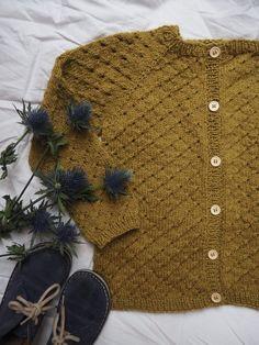 Ravelry: Anna's Summer Cardigan pattern by PetiteKnit Knitting For Kids, Knitting For Beginners, Baby Knitting Patterns, Baby Patterns, Knitting Projects, Cardigan Pattern, Knit Cardigan, Anna, Beginner Crochet Tutorial