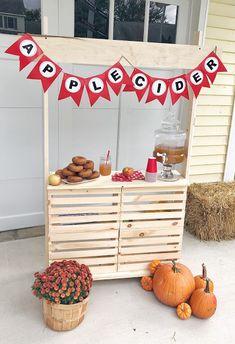 Apple Theme Parties, Apple Cider Bar, Apple Festival, Hot Cocoa Bar, Kids Lemonade Stands, Drink Stand, Apple Baskets, Pumpkin Farm, Montessori