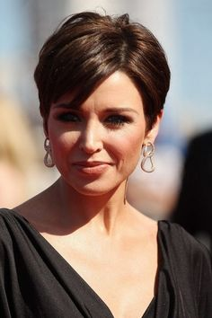 Best Short Haircut for Women Over 40: Dannii Minogue's Chic Pixie Cut    Love Dannis look.  WWW.UKHAIRDRESSERS.COM