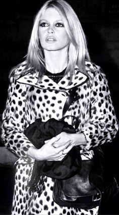 Brigitte Bardot style! Love this look!