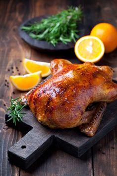 Patka s narančom i medom - blagdanski užitak koji smo čekali! Best Dinner Recipes, Unique Recipes, Holiday Recipes, Duck Recipes, Chicken Recipes, Chinese Roast Duck, Christmas Roast, Merry Christmas, Christmas Cooking