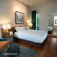 Heywood Hotel (Austin, TX) - simple headboard, sidetables and art