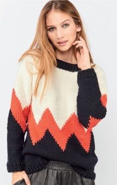 Judith Pull : Laine › Pull › Femme › Laines Bouton d'Or Sweater Knitting Patterns, Hand Knitting, Knitting Sweaters, Chunky Knitwear, Cocoon, Asymmetrical Sweater, Knitwear Fashion, How To Purl Knit, Knit Crochet